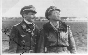 Heinz Ewald nach der Verleihung des Halsordens mit Peter Düttmann