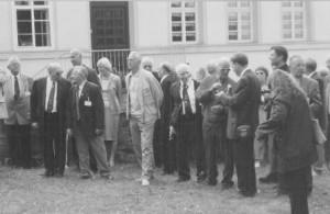 Ein Teil der 52er kurz nach der Gedenkfeier beim Kommando zum Sammeln und Aufstellen für den gemeinsamen Fototermin.