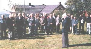 Peter Düttmann (Bonfazius) während seiner Ansprache am Ehrenmal