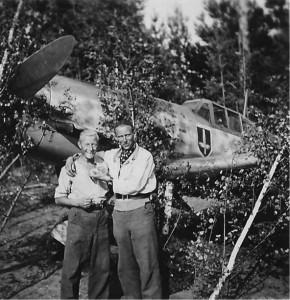 Trenkel mit seinem Wart in Dugino 1942