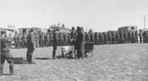 Hochzeit im Kriegsgefangenenlager von Rudi Trenkel. Hierbei auch letzte Aufführung des Geschwadermarsches.
