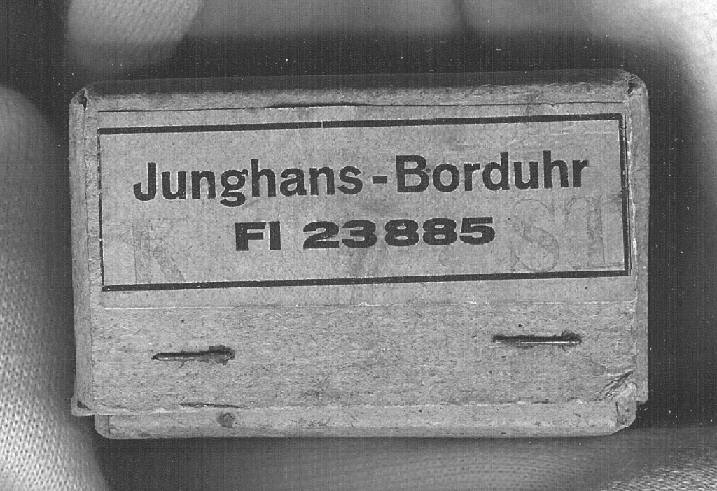 Schachtel Borduhr