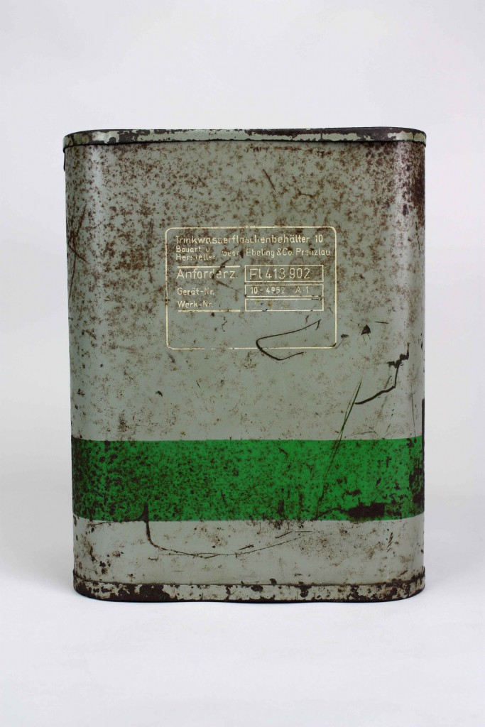 Trinkwasserflaschenbehälter